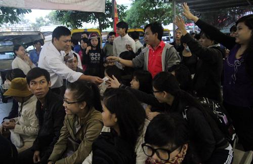 TP HCM cam kết không để dân thiếu xe về quê ăn Tết