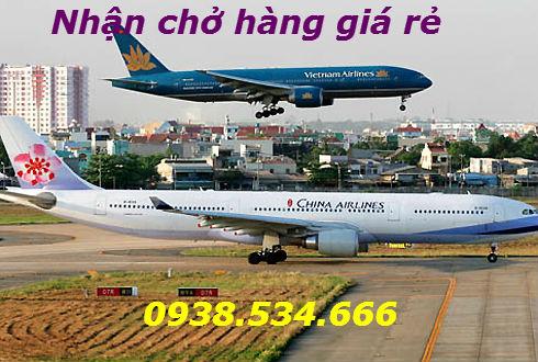 Máy bay China Airlines ở sân bay Tân Sơn Nhất.